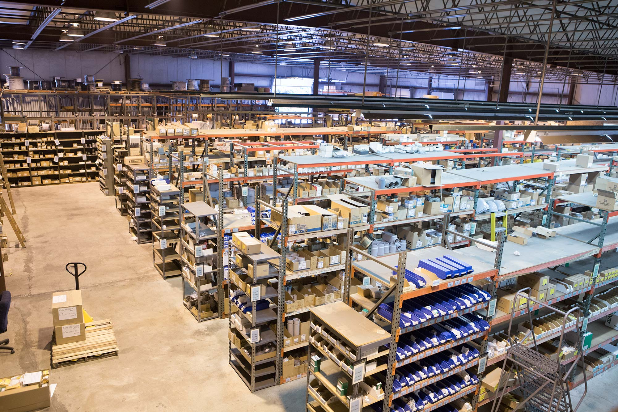 Delande | Wholesale Distributors of Electrical Supplies and